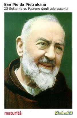 Maturità, il santino di San Pio da Pietralcina